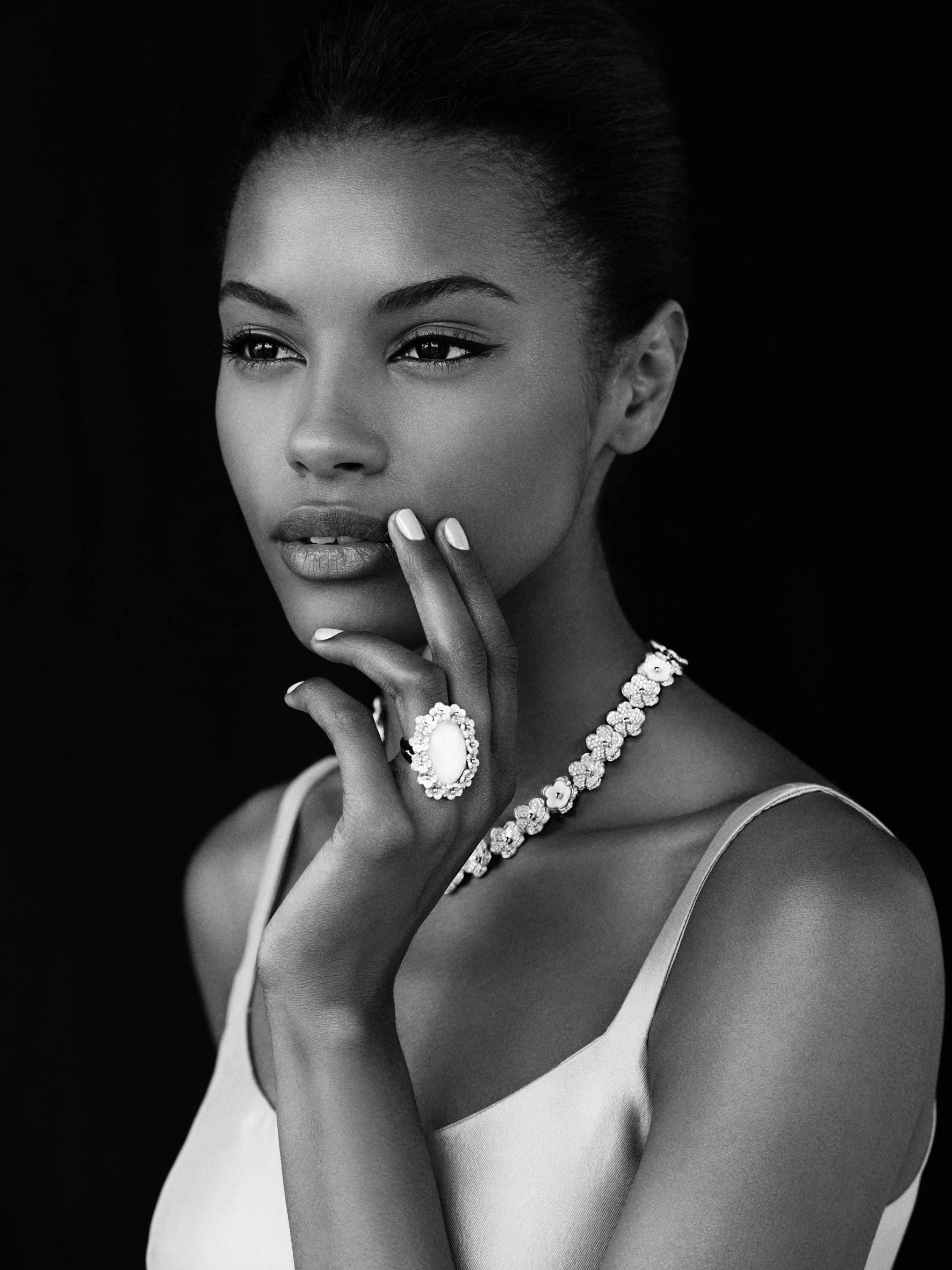Black Super Model Introduces Meissen Jewelry Collection New York Trend Online