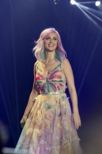 katy-perry-hair-concert-tour-fashion-3