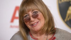 Penny Marshall, 'Laverne & Shirley' Star, Director, Dies at 75