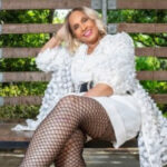 "TV Restaurateur, Singer-Songwriter Ms. Robbie Debuts ""Ain't My Stuff Good Enough"" Video"